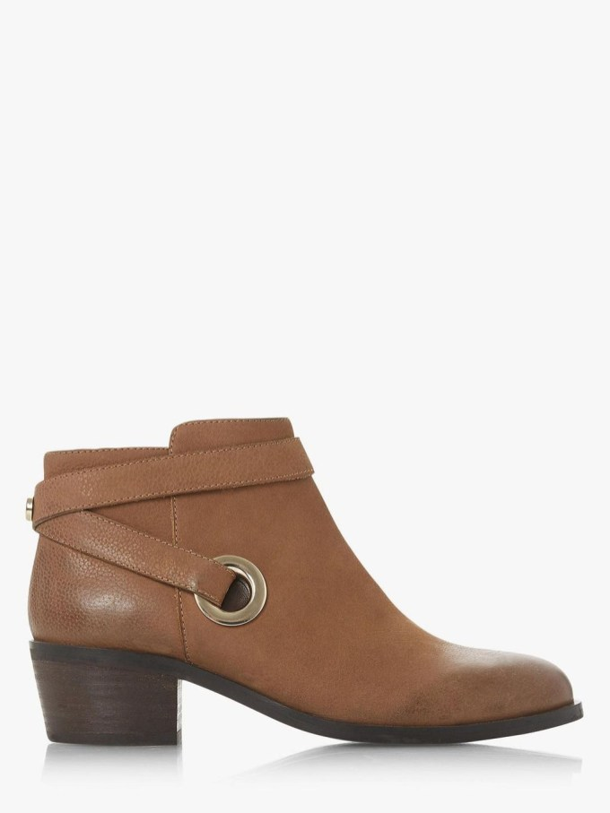 Best Ideas To Wear Wide Ankle Boots This Spring33