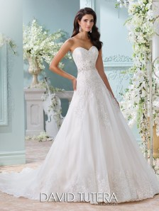 Newest Lace Sweetheart Wedding Dresses Ideas For Spring21