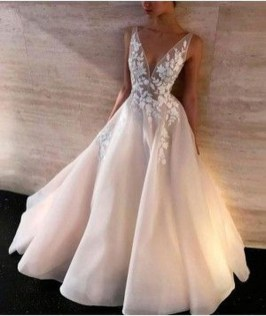 Pretty V Neck Tulle Wedding Dress Ideas For 201901