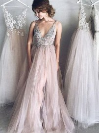 Pretty V Neck Tulle Wedding Dress Ideas For 201919