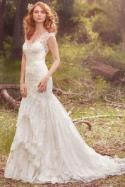 Pretty V Neck Tulle Wedding Dress Ideas For 201941