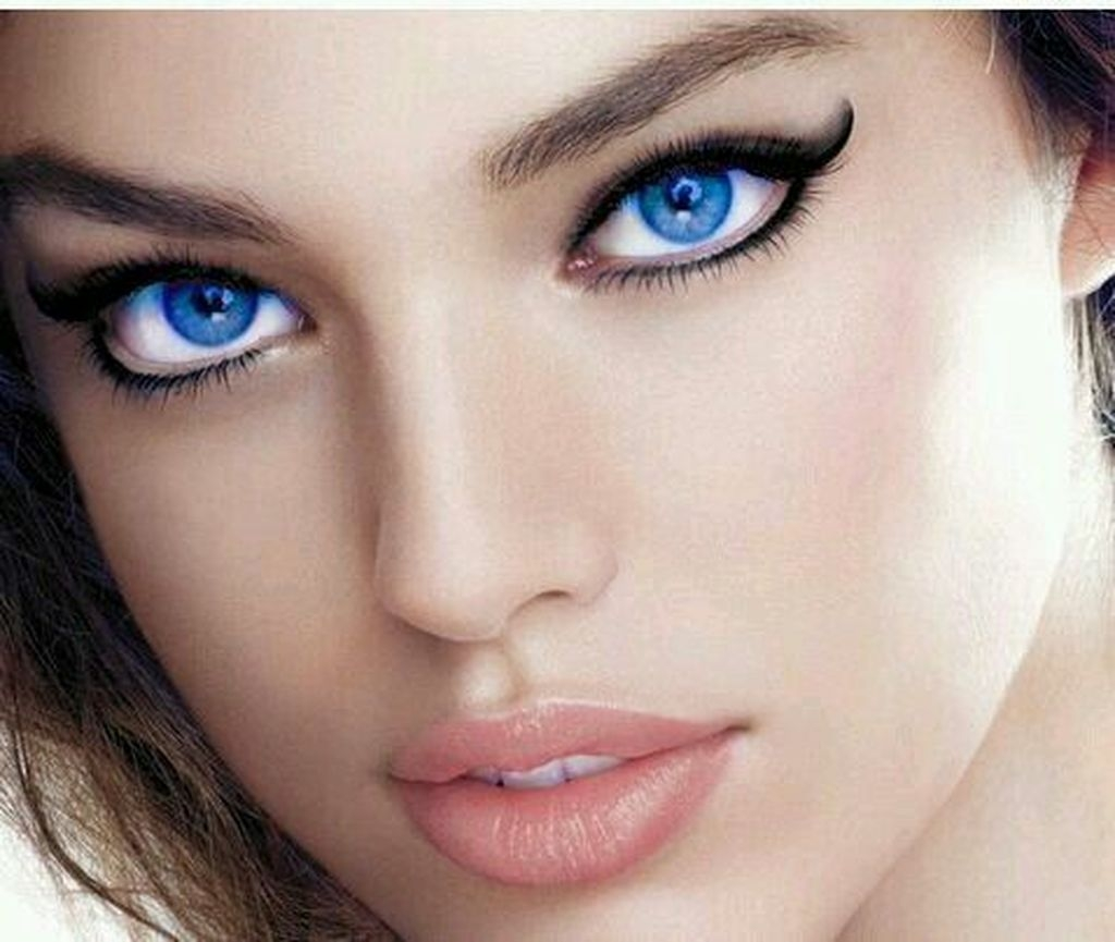 Stunning Eyeliner Makeup Ideas For Women15