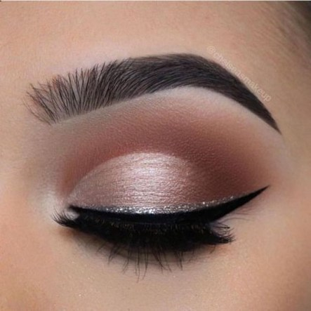 Stunning Eyeliner Makeup Ideas For Women46