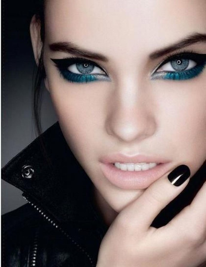 Stunning Eyeliner Makeup Ideas For Women47