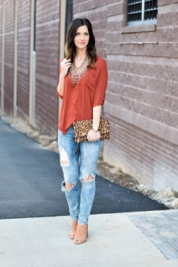 Unusual Orange Outfit Ideas For Women34