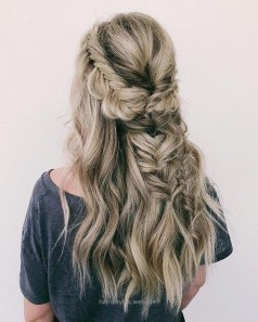 Captivating Boho Hairstyle Ideas For Curly And Straight Hair05