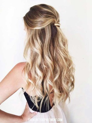 Captivating Boho Hairstyle Ideas For Curly And Straight Hair15