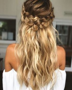 Captivating Boho Hairstyle Ideas For Curly And Straight Hair33