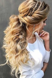 Captivating Boho Hairstyle Ideas For Curly And Straight Hair37