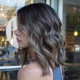 Charming Wavy Hairstyle Ideas For Your Appearance More Cool31