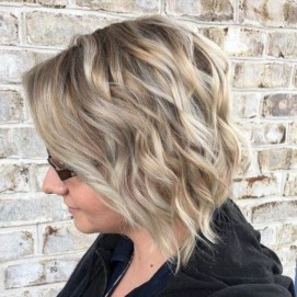 Charming Wavy Hairstyle Ideas For Your Appearance More Cool32
