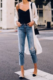 Creative Summer Style Ideas With Ripped Jeans24