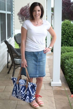 Elegant Summer Outfits Ideas For Women Over 40 Years Old16