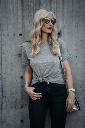 Elegant Summer Outfits Ideas For Women Over 40 Years Old27