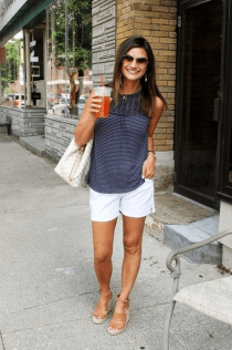 Elegant Summer Outfits Ideas For Women Over 40 Years Old39