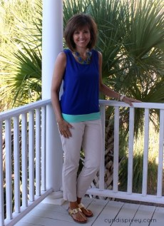Elegant Summer Outfits Ideas For Women Over 40 Years Old41