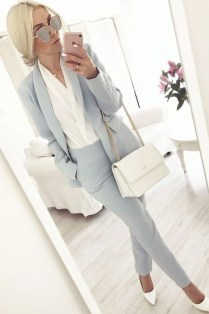 Fashionable Work Outfit Ideas To Try Now33
