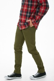 Outstanding Mens Chinos Outfit Ideas For Casual Style40