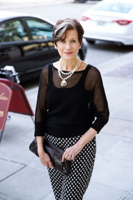 Pretty Styles Ideas For 50 Year Old Woman33