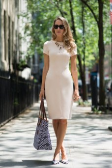 Stylish Outfits Ideas For Professional Women11