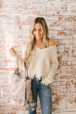 Affordable Women Outfit Ideas For Summer With Sweaters09