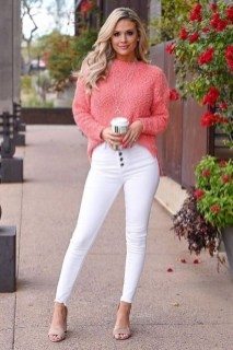 Affordable Women Outfit Ideas For Summer With Sweaters22