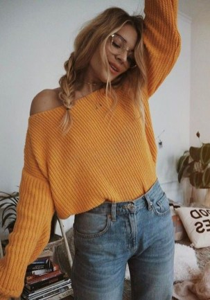 Affordable Women Outfit Ideas For Summer With Sweaters25