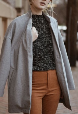 Charming Minimalist Outfits Ideas To Inspire Your Style06