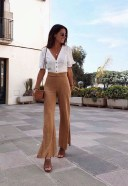 Charming Minimalist Outfits Ideas To Inspire Your Style10