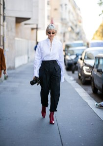 Charming Minimalist Outfits Ideas To Inspire Your Style13