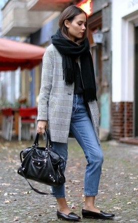 Charming Winter Outfits Ideas To Go To Office17