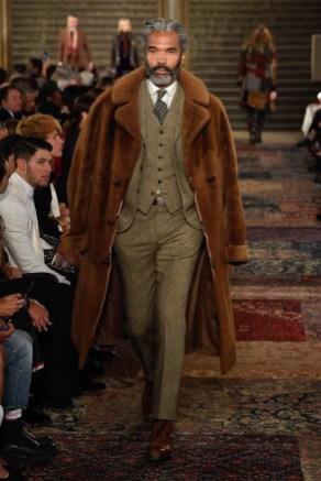 Elegant Winter Outfits Ideas For Men18