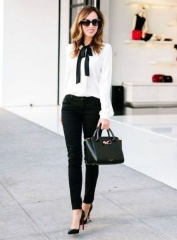 Fabulous Summer Work Outfits Ideas For Women10