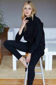 Fancy Work Outfits Ideas With Black Leggings To Copy Right Now33