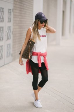 Inspiring Summer Outfits Ideas With Leggings To Try35