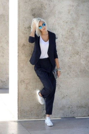 Unique Office Outfits Ideas For Career Women07