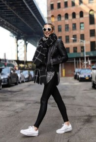 Attractive Sneakers Outfit Ideas For Fall And Winter05