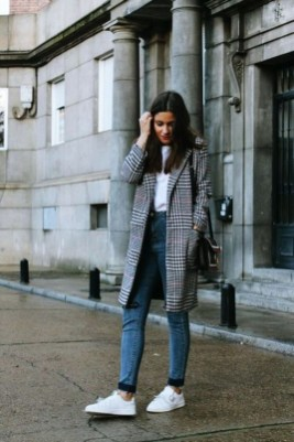 Attractive Sneakers Outfit Ideas For Fall And Winter15