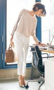 Attractive Spring And Summer Business Outfit Ideas For Women10