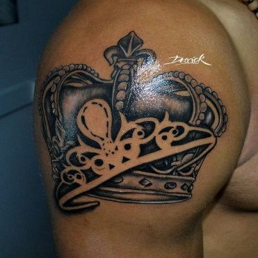 Comfy Crown Tattoos Ideas Youll Need To See33