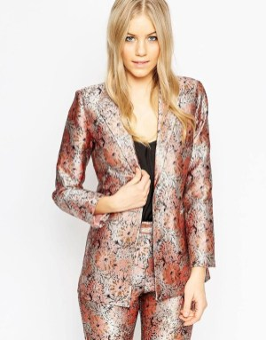 Cozy Combinations Ideas With Floral Blazers You Must Try15