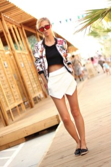 Cozy Combinations Ideas With Floral Blazers You Must Try30