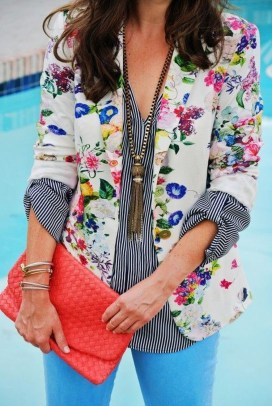 Cozy Combinations Ideas With Floral Blazers You Must Try38