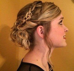 Gorgeous Prom Hairstyles Ideas For Women You Must Try28