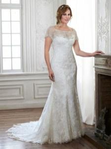 Impressive Wedding Dresses Ideas That Are Perfect For Curvy Brides19