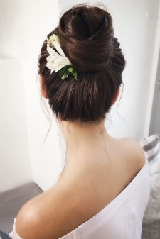 Unique Bun Hairstyles Ideas That Youll Love21