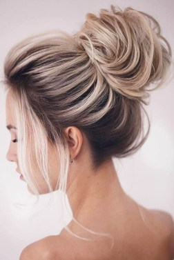 Unique Bun Hairstyles Ideas That Youll Love31