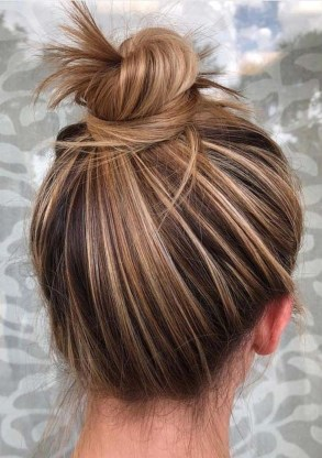 Unique Bun Hairstyles Ideas That Youll Love40
