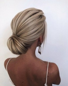 Unique Bun Hairstyles Ideas That Youll Love41