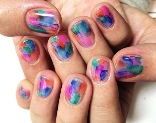 Unusual Watercolor Nail Art Ideas That Looks Cool11